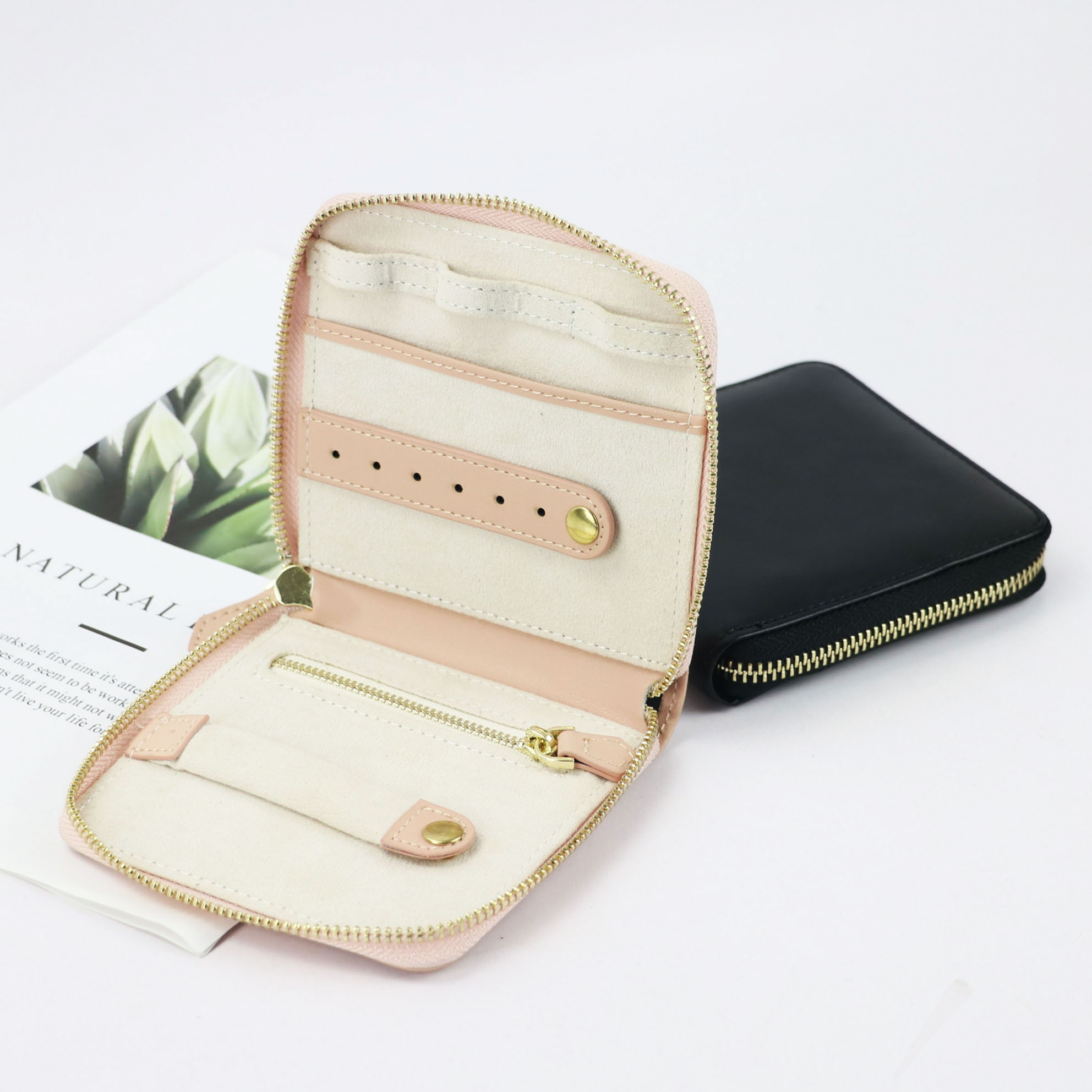2020 Portable Gift Box Genuine Leather Travel Jewelry Case Boxes New Designer Box For Jewelry Fashion Jewelry Organizer Display