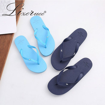 цена на Lizeruee Man Slippers Beach Flip Flops Sandals Lovers Slip On Slides Indoor Home Slippers Women Flats Casual Shoes Couple