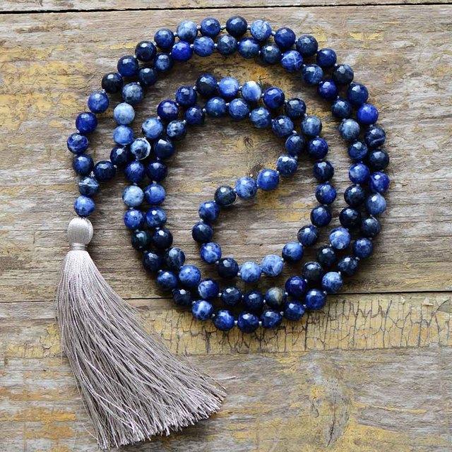 Collar de meditación con borla suave de sodalita faceteadas naturales de 8MM, collar de mujer con 108 cuentas, Mala