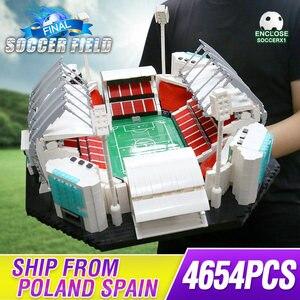Image 1 - 4654PCS אבני בניין Creative צעצועי ישן Traffords Manchesters כדורגל שדה דגם ילדי לבנים צעצועים חינוכיים יום הולדת מתנות