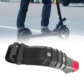 5.5 Inch Durable Rear Wheel Brake Mudguard For Electric Scooter Tire Splash Fenders with Rear Taillight Back Guard