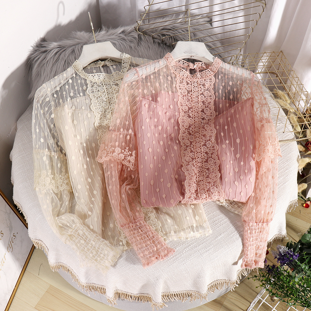 In Stock, Send Within 24 Hours Women's New Fairy Sweet Western Style Shirt Wear A Lace Top And A Polka Dot Lace Top