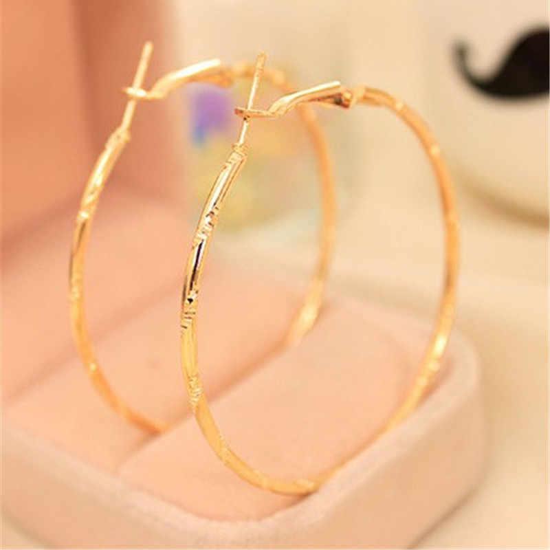 Prosty złoty kolor kolczyki duże koła dla kobiet oświadczenie biżuteria akcesoria duże koło okrągłe pętli kolczyki w kolorze złota