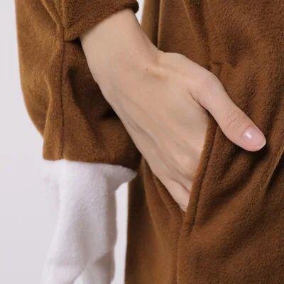 HKSNGผู้ใหญ่สัตว์สีน้ำตาลSloth Onesiesชุดนอนการ์ตูนขนแกะนุ่มOnesies Cosplayเครื่องแต่งกายJumpsuitsที่ดีที่สุดของขวัญKigurumi