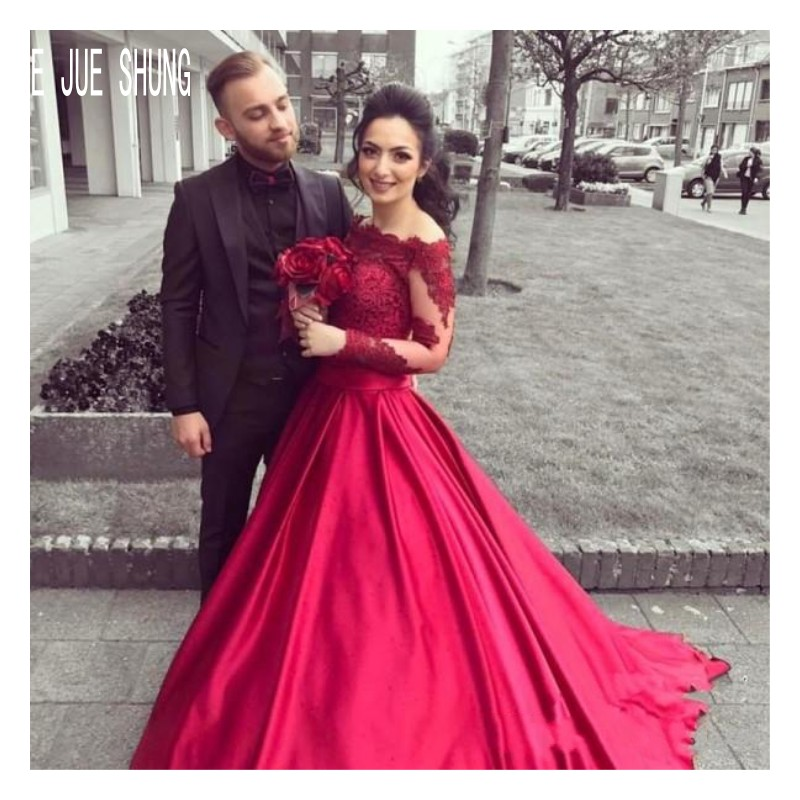 E JUE SHUNG Burgundy Wedding Dresses Off Shoulder Long Sleeves Bridal Gowns Vintage Lace Appliques Button Back Robe De Mariee