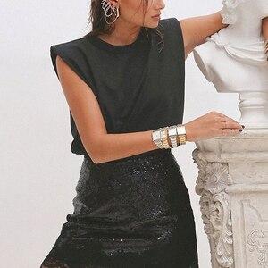 Image 4 - TWOTWINSTYLE מזדמן נשים של טנק למעלה O צוואר שרוולים Loose Ruched Streetwear לאפוד אופנה בגדים 2020 אביב גאות