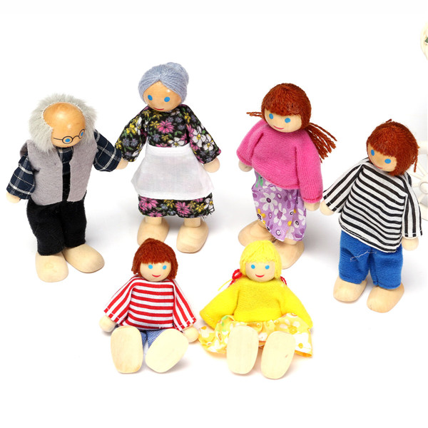 Small Wooden Toy Set Happy Dollhouse Family Dolls Figures Dressed