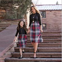 Повседневные платья для мамы и дочери клетчатое платье в стиле