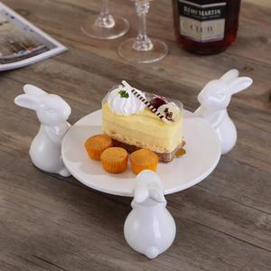 Высококачественная керамическая подставка для торта с тремя кроликами, круглая подставка для торта, креативный поднос для торта, для свадь...