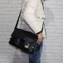 Korean Minimalist Men Shoulder Bag Sport Casual Fashion Large Capacity Shoulder Bag Vintage School Bolso Hombre Mens Bag DE50NDJ