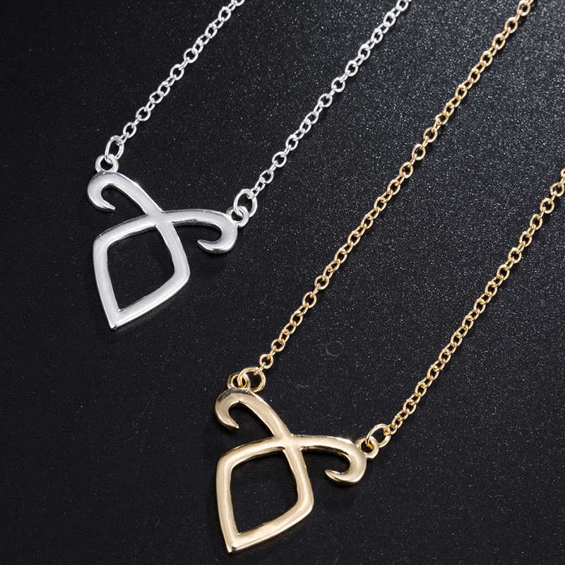 yiustar Cute Deer Head Pendant Necklaces For Women Rose Color Stainless Steel Necklaces Fashion Jewelry Mini Animal Choker Gift