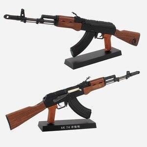 Arma AK74 de aleación 1:3, modelo AK 47, Rifle de asalto, no puede disparar, ornamento de colección, regalo para niño
