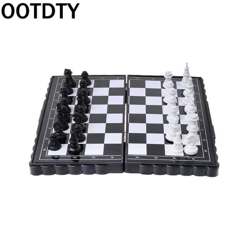 1 conjunto de Mini Portátil Dobrável Xadrez