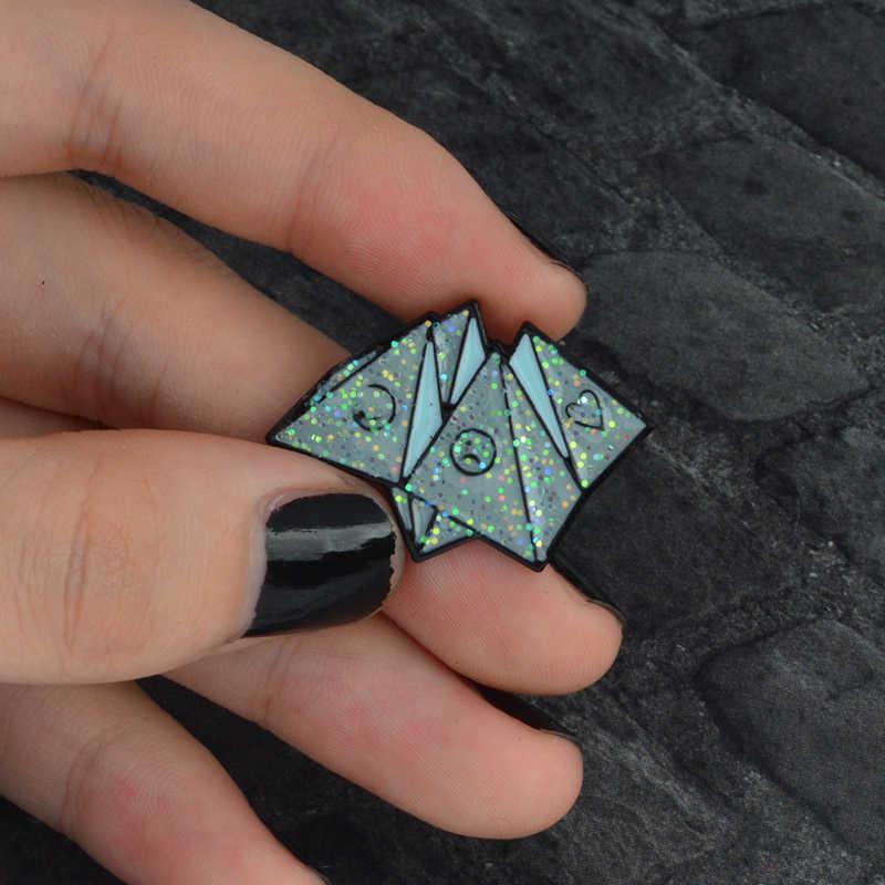 Klasik Vintage Pin Logam Origami Game Rose Peti Mati Spider Web Pertandingan Bros Lencana Enamel Pin Perhiasan Hadiah untuk Teman