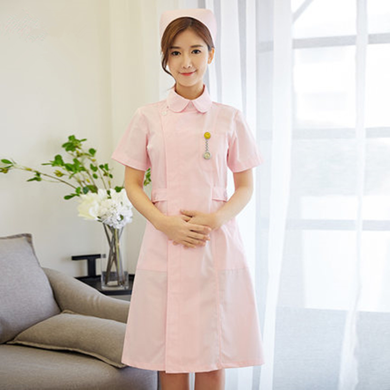 Pink Female Nurses Wear Short - Sleeved Short - Sleeved Baby Neck - Length Lab Coat In Beauty Salon