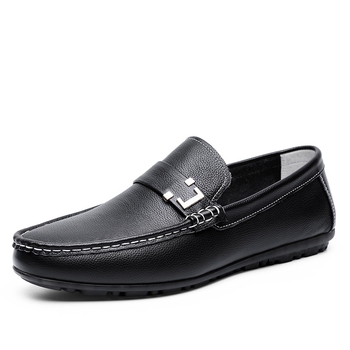 Men's cowhide non-slip loafers Handmade casual driving shoes Retro fashion Moccasin shoes