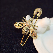Luxurious Full Crystal Insect Brooches Female Lady High Quality Shiny Bee Scarf Brooch Elegant Pin Jewelry