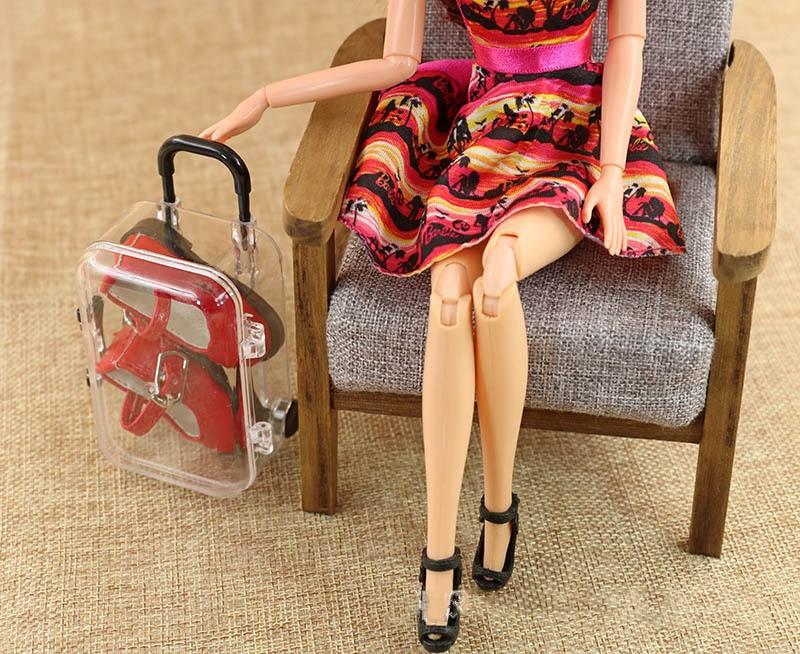Original Mini Suitcase For Barbie Doll Kurhn Blyth 1/6 Adjustable Handle Rolling Wheel Travel Luggage Case Dollhouse Furniture