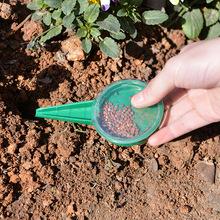 Seed Seeder narzędzie ogrodnicze Mini Hand Plastics narzędzie ogrodnicze s nasiona trawy kwiatowej siewnik siewnik pomocne narzędzie tanie tanio Z tworzywa sztucznego Podlewanie zestawy idyllic
