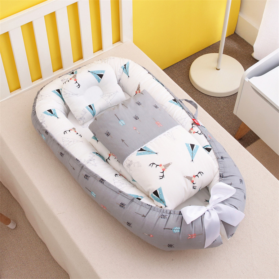 Portable removable washable pressure-proof crib in-bed bionic baby pillow mommy holding travel cot 50-85cm baby nursery