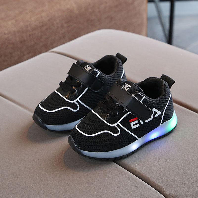 2020 New hot sales Spring/Autumn baby casual shoes high quality cool infant tennis Lovely cute LED light baby sneakers toddlers