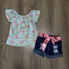חדש כניסות קיץ תינוק בנות ילדי בגדי ג ינס מכנסיים קצרים ורוד פרחוני פרח דפוס תלבושות ראפלס בוטיק