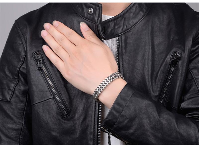 H9ecef23e279e44b196dced2ad9ea2ff0i - צמיד לגבר טיטניום קליל על היד
