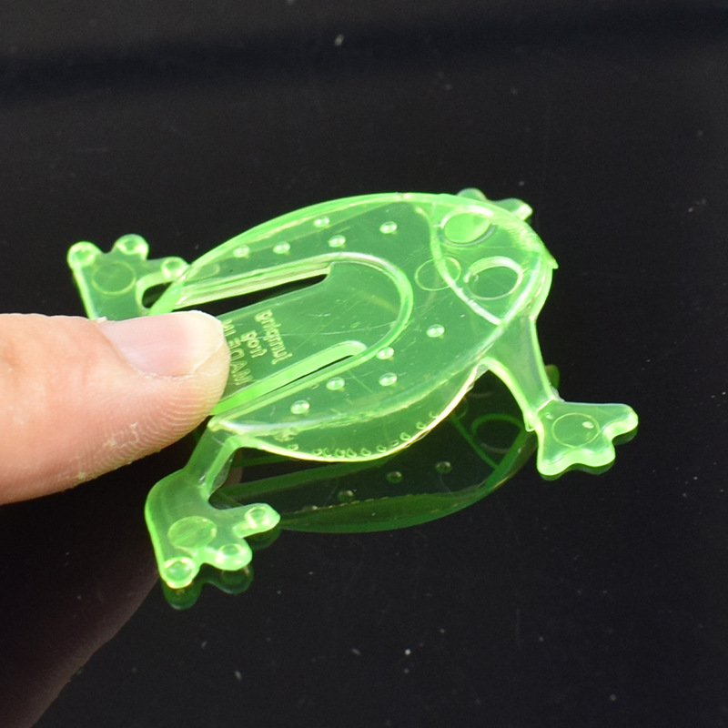 Novelty 4CM Jumping Frogs Assorted Hopper Game Baby Toy Action Toy Figures