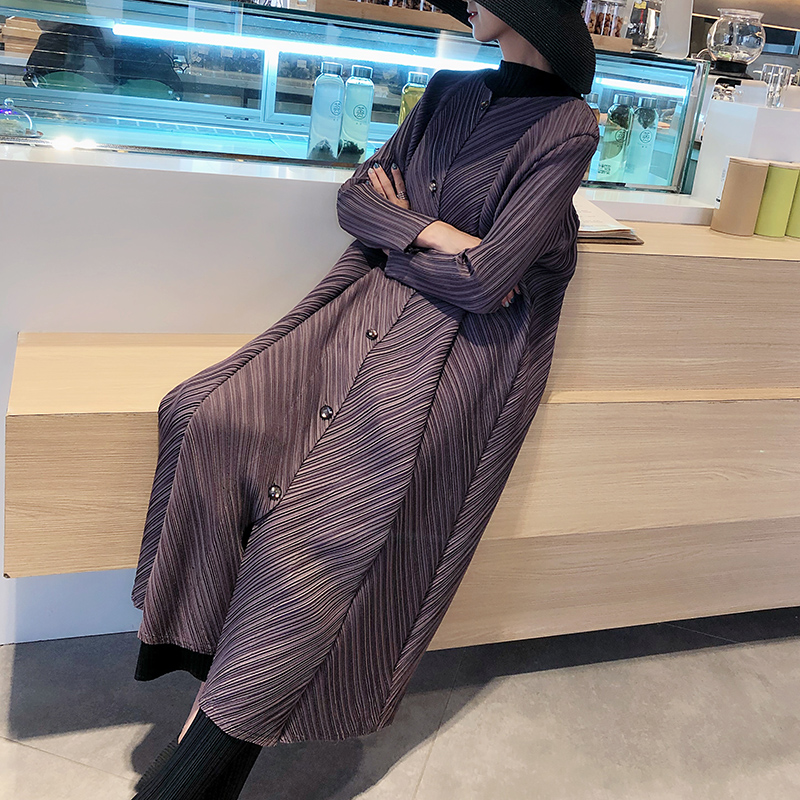 Autumn and winter Miyake fold long windbreaker loose large size ladies temperament straight   trench   female free shipping