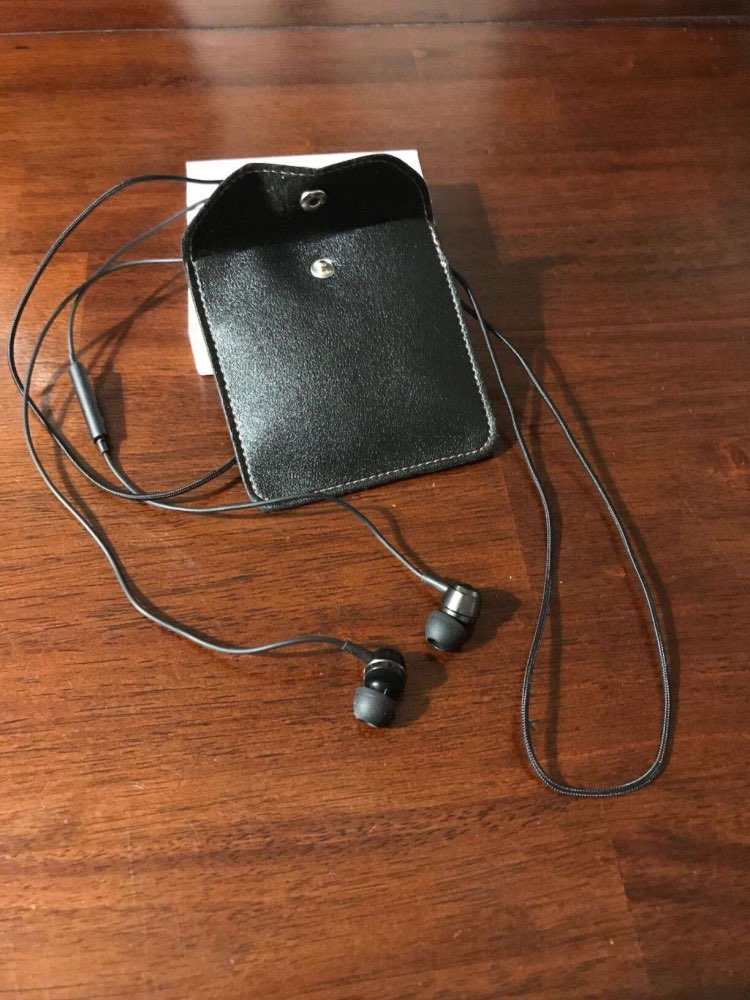 Langsdom AM100 Wired Earphone 1BA+1DD Hybrid Earphones In Ear Headphone Hifi Headset Earbuds with Mic for Phone fone de ouvido-in Phone Earphones & Headphones from Consumer Electronics on AliExpress