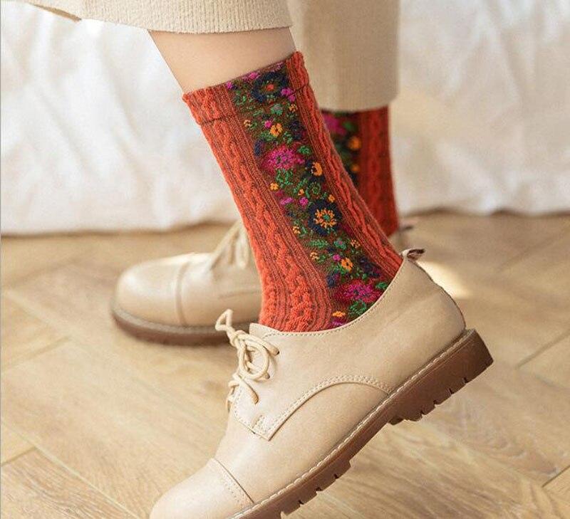 Red Bird Socks Mens Womens Casual Socks Personality Custom Sports Socks Creative Fashion Crew Socks