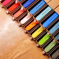 Correa de silicona para apple Watch, banda de 44mm, 40mm, 38mm y 42mm, correa de goma para reloj inteligente, pulsera iWatch 6 se 5 4 3 2