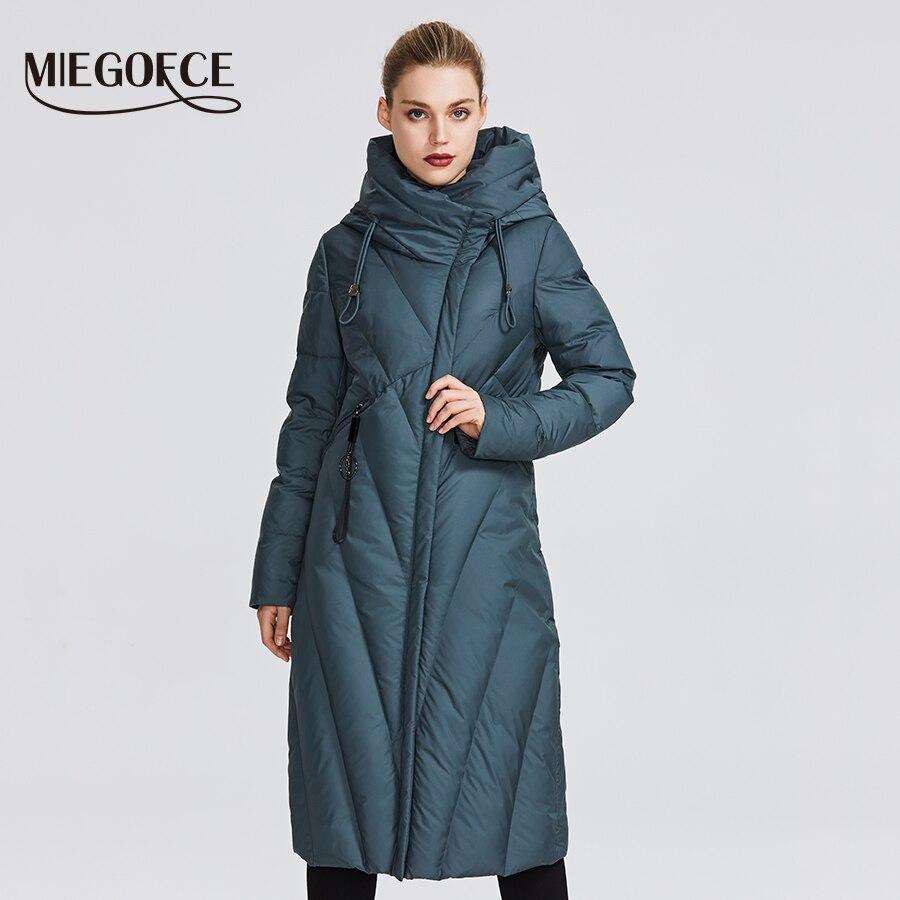 MIEGOFCE 2019 Пальто-пуховик Новая коллекция женский пуховик с стойким ветрозащитным воротником необычные расцветки и имеет подчеркивает фигуру...