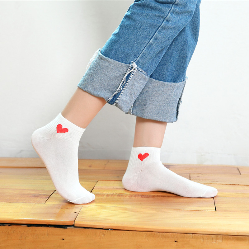 1 Pair Hot Sale Women Short Socks Red Heart Cute College Breathable Female Socks Soft Cotton Summer Autumn Girls Sock Meias Sox