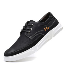 цена New Leather Shoes Men Sneakers Casual Male Footwear Fashion Brand Walking Shoes Mens Fashion Leather Sneakers онлайн в 2017 году