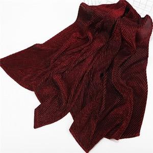Image 3 - 2020ใหม่สีทึบBubble Plain CrinkleจีบHijabผ้าพันคอหญิงยาวมุสลิมGlitter Wrinkle Head Wrapผ้าพันคอสำหรับผู้หญิง