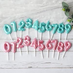 Image 1 - 1 pcs 새로운 생일 풍선 촛불 핑크 블루 캔들 생일 케이크 장식 0 9 번호 촛불 아이 생일 파티 장식을 선호한다