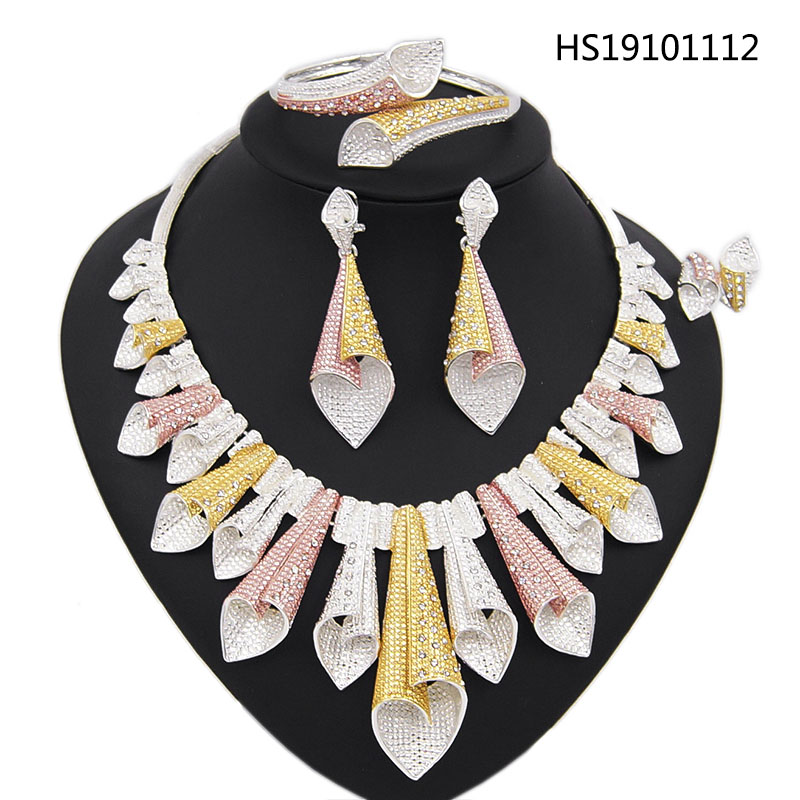Yulaili New Arrivals Dubai Gold Jewelry Sets for Women Three Tone Necklace Earrings Bracelet Ring African Wedding Party Bijoux