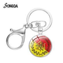 Porte-clés Unique avec fermoir en verre convexe, pendentif en forme de Triskelion, Souvenir de voiture