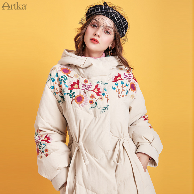 ARTKA 2019 Winter New Women Down Coat Retro Flower Embroidery 90% White Duck Down Coats Hooded Thick Warm Long Outwear YK15092D