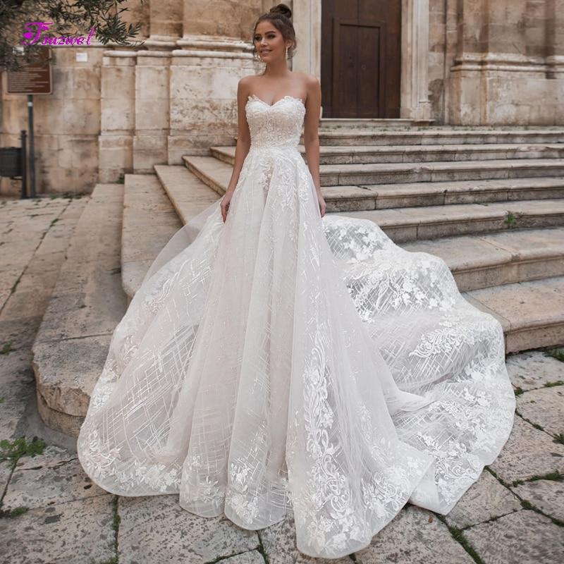 Fsuzwel Gorgeous Appliques Lace Chapel Train A-Line Wedding Dresses 2019 Luxury Strapless Beaded Bridal Gowns Vestido De Noiva