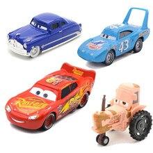 1:55 Disney Pixar Carros De Metal Diecast Car Toys Tempestade Relâmpago McQueen Jackson Tio Mack Caminhão Modelo de Carro de Presente de Aniversário Brinquedo do Menino
