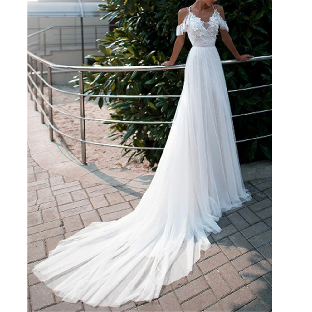 Modest White Lace And Tulle Wedding Dress 2019 Spaghetti Straps