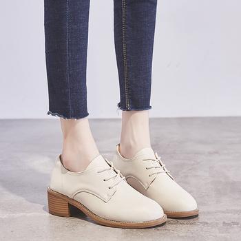 2020 gorące oryginalne skórzane damskie buty typu Oxford baleriny buty damskie oryginalne skórzane buty wiązane mokasyny białe tanie i dobre opinie Oksfordzie Prawdziwej skóry Skóra bydlęca RUBBER Lace-up Pasuje prawda na wymiar weź swój normalny rozmiar Na co dzień
