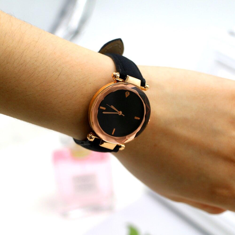 REWARD Top Brand Luxury Mens Watches Business Waterproof Chronograph Quartz Sport Watch Men Date Calendar Display Wrist Watch