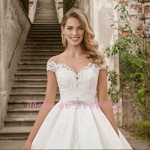 Image 3 - 2020 New Special Princess Ball Gown Wedding Dresses Plus Size Mariage Sparkly Beading Crystal Waist Appliques Short Sleeve Dress