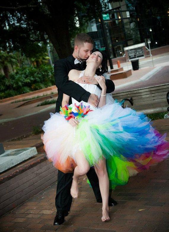 Hotsale Elegant Short Front Long Back Colorful Bridal Dresses Rainbow Wedding Dresses Barcelona Training Trouwjurken Gekleurd