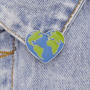 Kawaii Brooch for Clothes New Style Brooches Creative Mini Cartoon Lovely Earth World Continent Plate Denim Badge Pins Metal