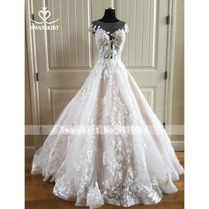 Image 4 - אופנה אפליקציות חתונת שמלת Swanskirt N131 מתוקה אונליין גב פתוח נסיכת כלה שמלת משפט רכבת vestido דה noiva