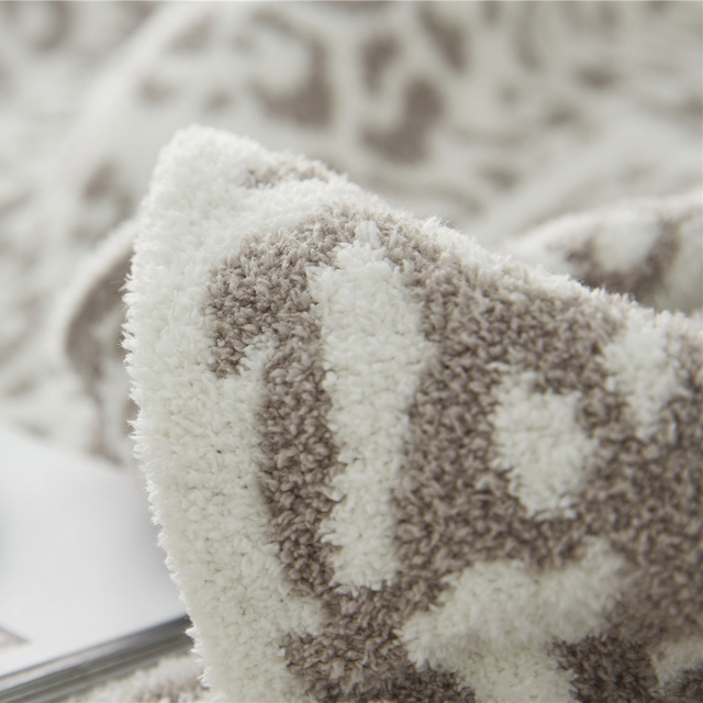 Knitted Printed Blanket 6